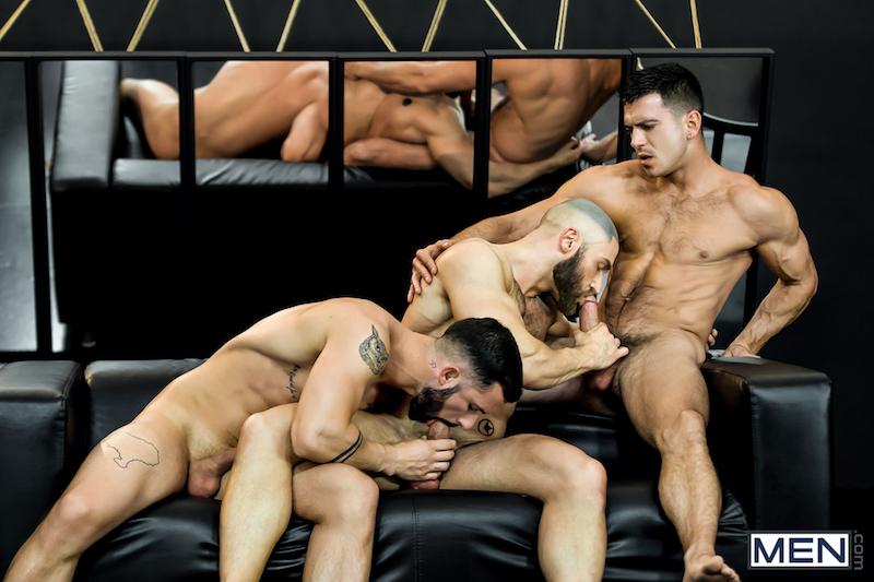 3 men sucking muscle cocks